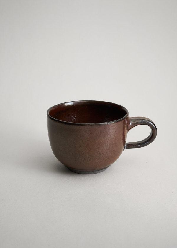 bauchige Tasse in temmokubraun glasiert für den doppelten Cappuccino
